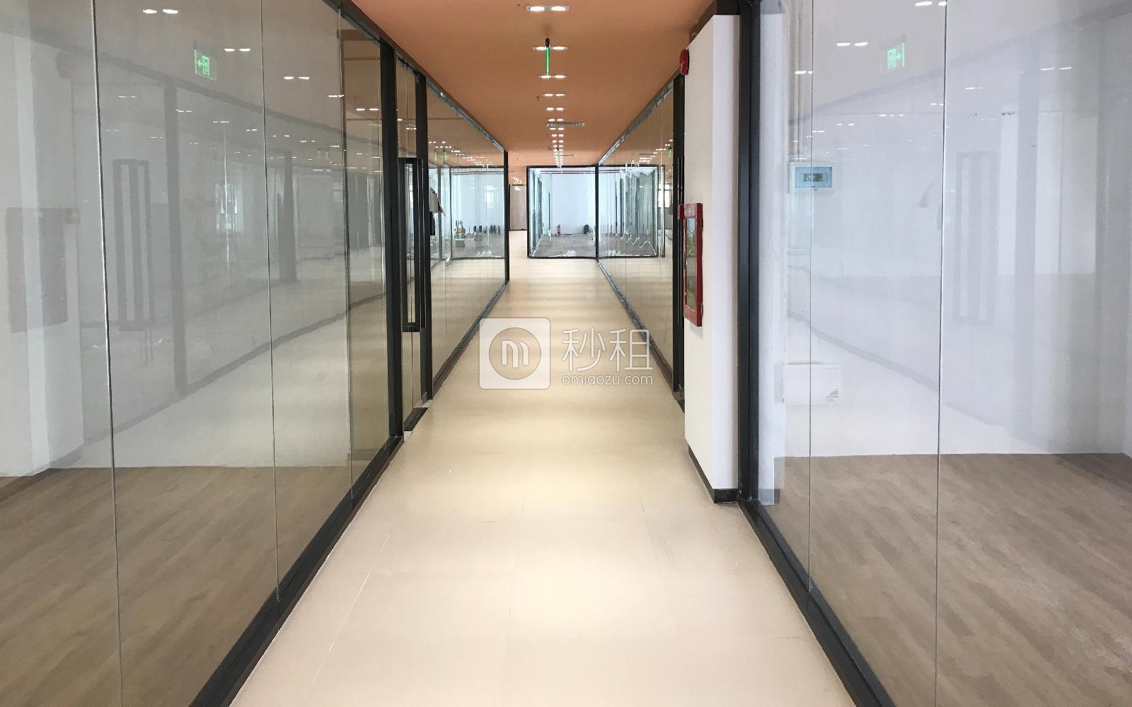 众里创业社区(兴东)写字楼出租81平米精装办公室80元/m².月