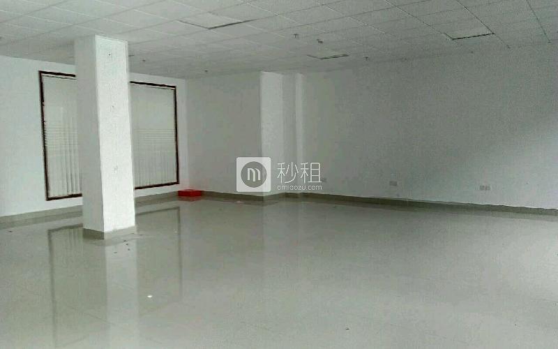 华丰互联网+创意园写字楼出租188平米精装办公室56元/m².月