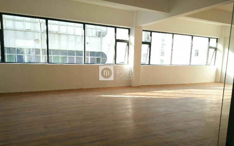 众里创业社区(兴东)写字楼出租164平米精装办公室80元/m².月