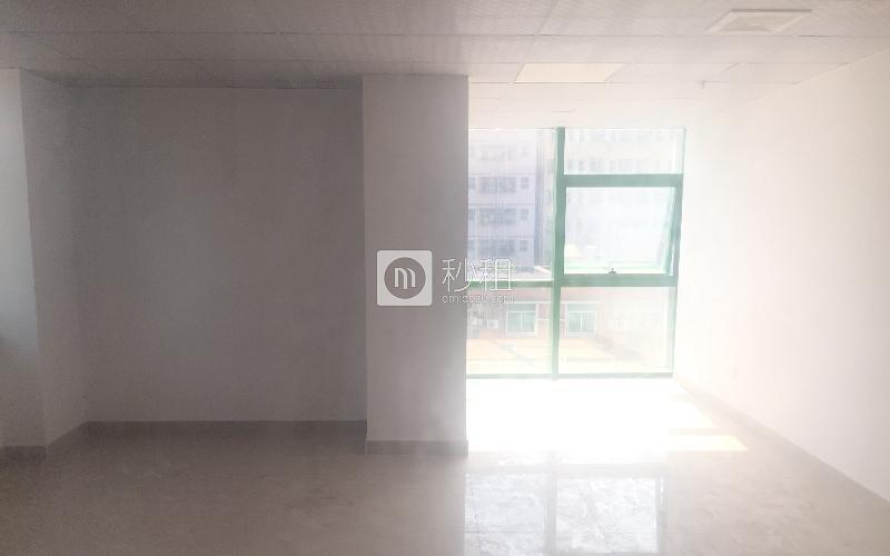 一格商务中心写字楼出租69平米简装办公室60元/m².月