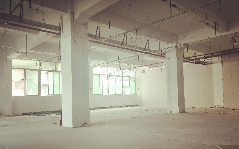 广兴源宝安互联网产业基地A区写字楼出租246平米毛坯办公室53元/m².月