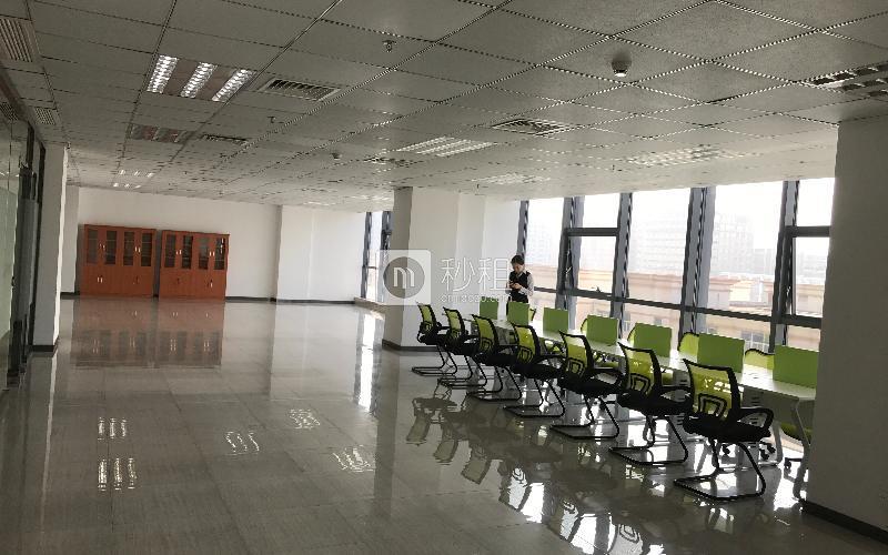尚美中心大厦写字楼出租464平米精装办公室85元/m².月