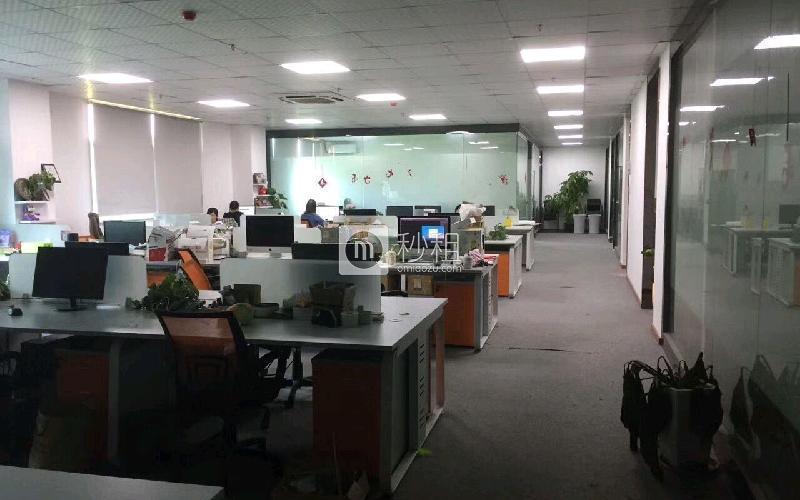 创客公馆写字楼出租550平米精装办公室75元/m².月