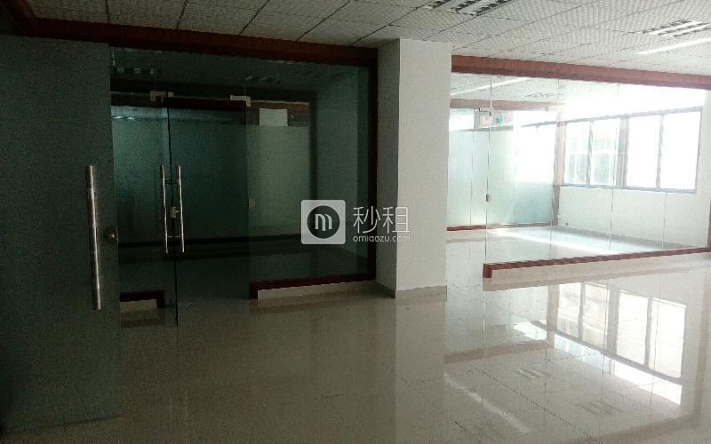 华通商务大厦写字楼出租202平米简装办公室60元/m².月