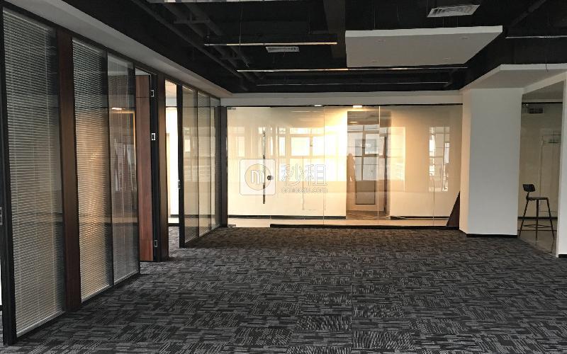 德维森大厦写字楼出租227平米精装办公室135元/m².月
