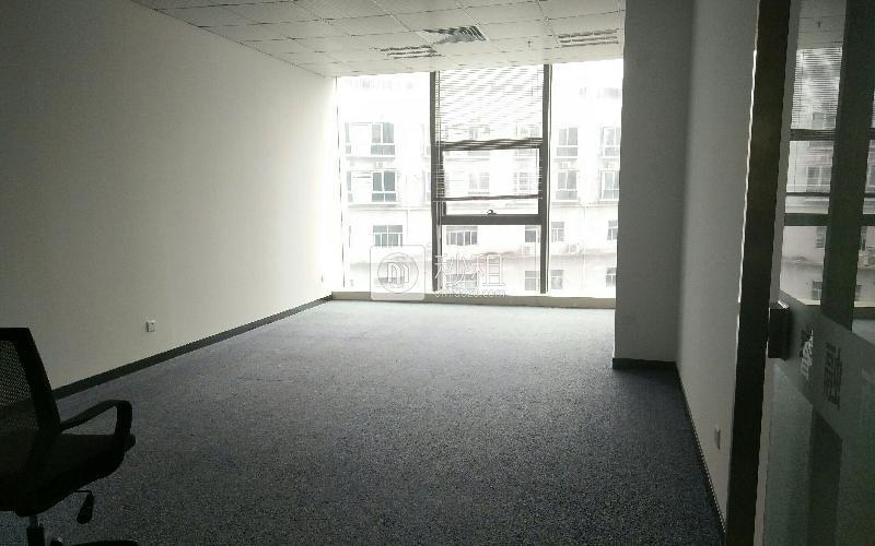 宝运达物流中心研发综合楼写字楼出租65平米精装办公室70元/m².月