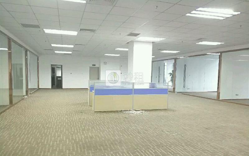 华宝一号大厦写字楼出租905平米精装办公室95元/m².月