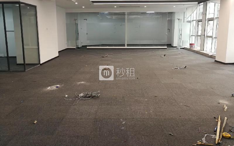 恒裕中心写字楼出租266平米精装办公室110元/m².月