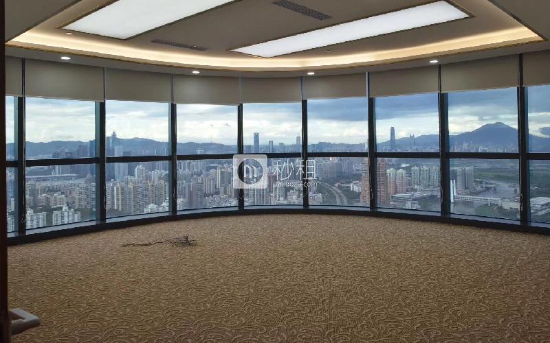 长富金茂大厦写字楼出租478平米精装办公室138元/m².月