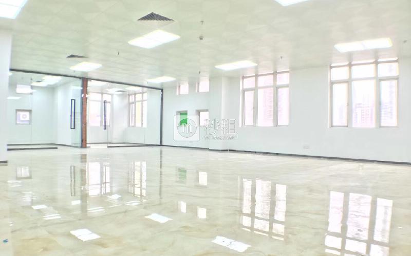 新能源大厦写字楼出租528平米精装办公室68元/m².月