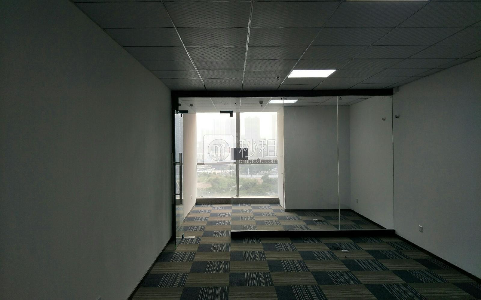 卫东龙商务大厦写字楼出租71平米精装办公室7500元/间.月