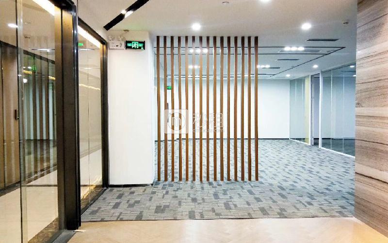 同泰时代中心写字楼出租345平米豪装办公室55元/m².月