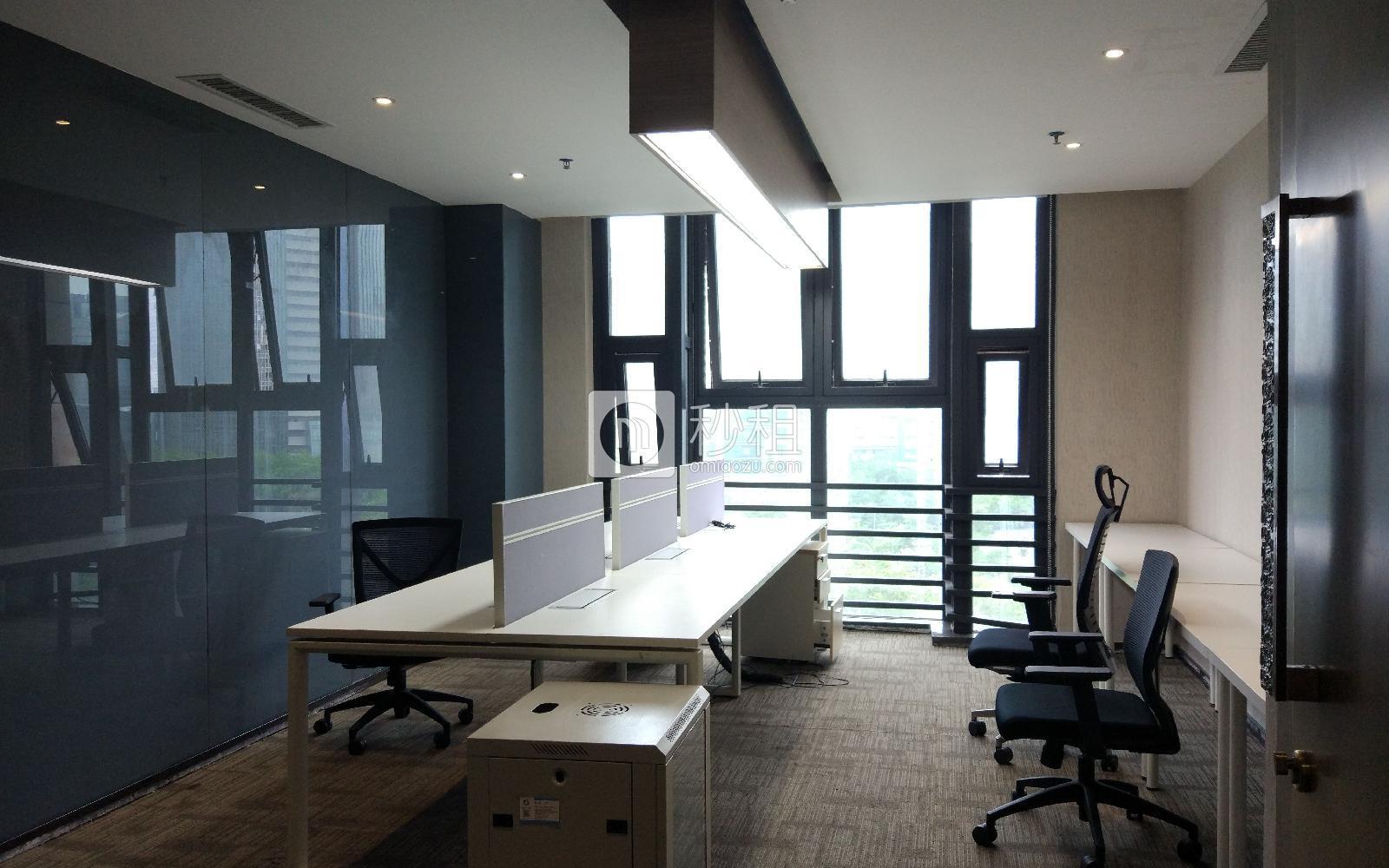 丽雅查尔顿广场-锦会写字楼出租68平米精装办公室18000元/间.月