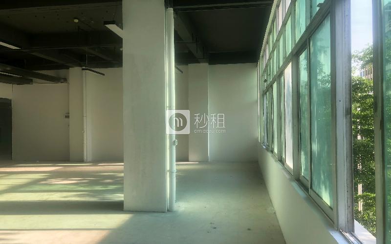 万众孵化园写字楼出租189平米简装办公室55元/m².月