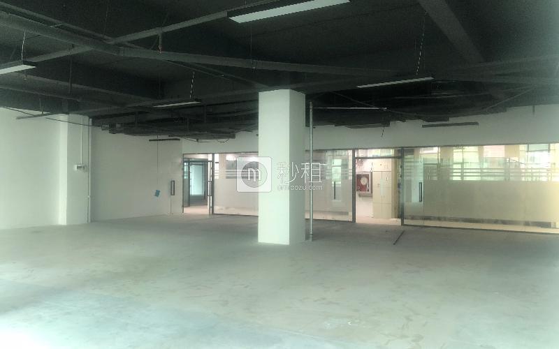 万众孵化园写字楼出租339平米简装办公室55元/m².月