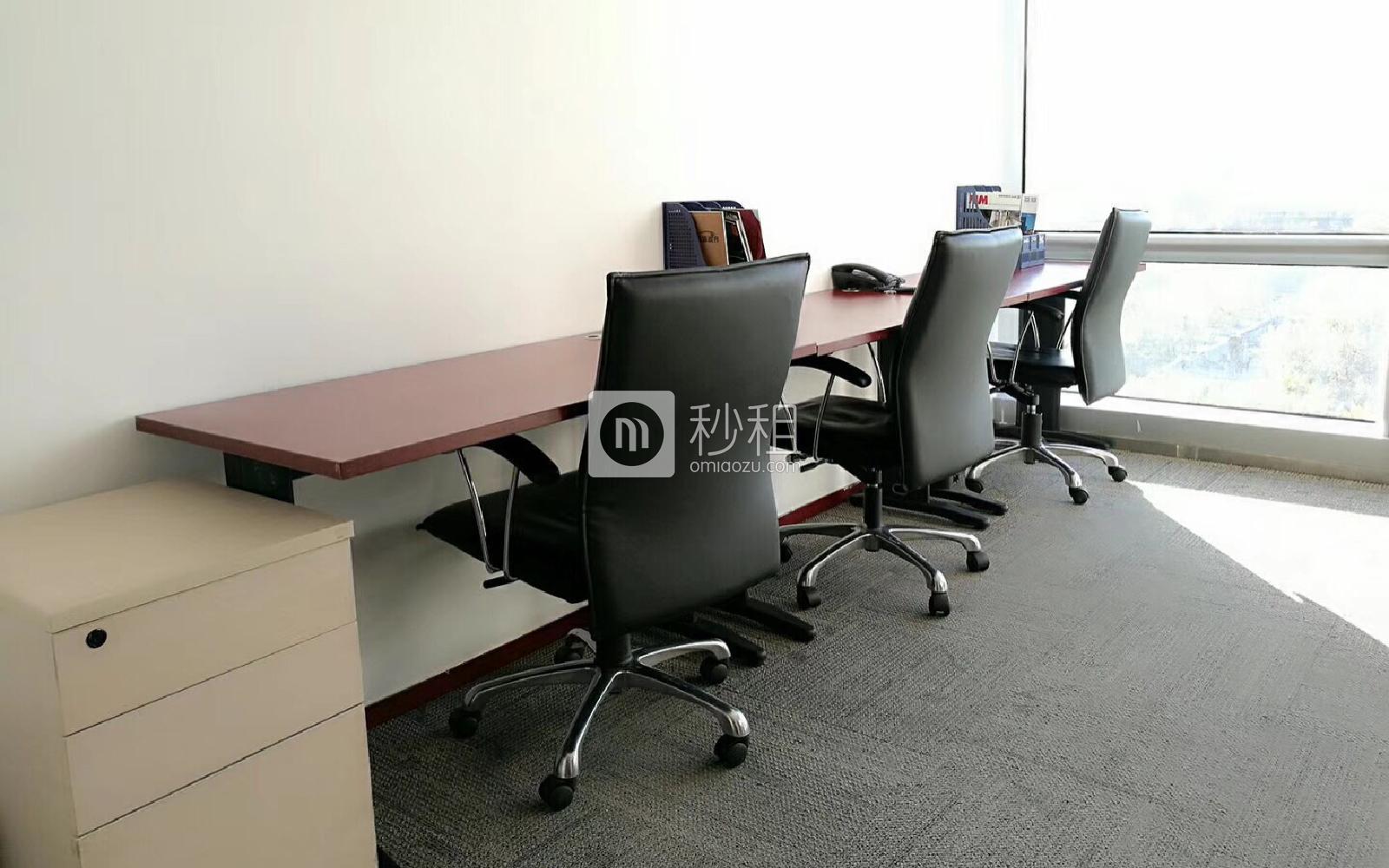 中海广场-世鳌国际商务中心写字楼出租15平米豪装办公室11800元/间.月