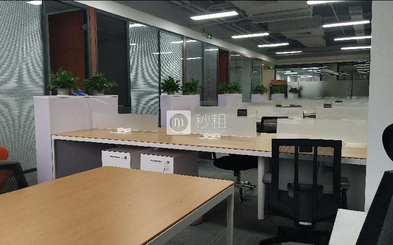 国人通信大厦写字楼出租349平米豪装办公室120元/m².月