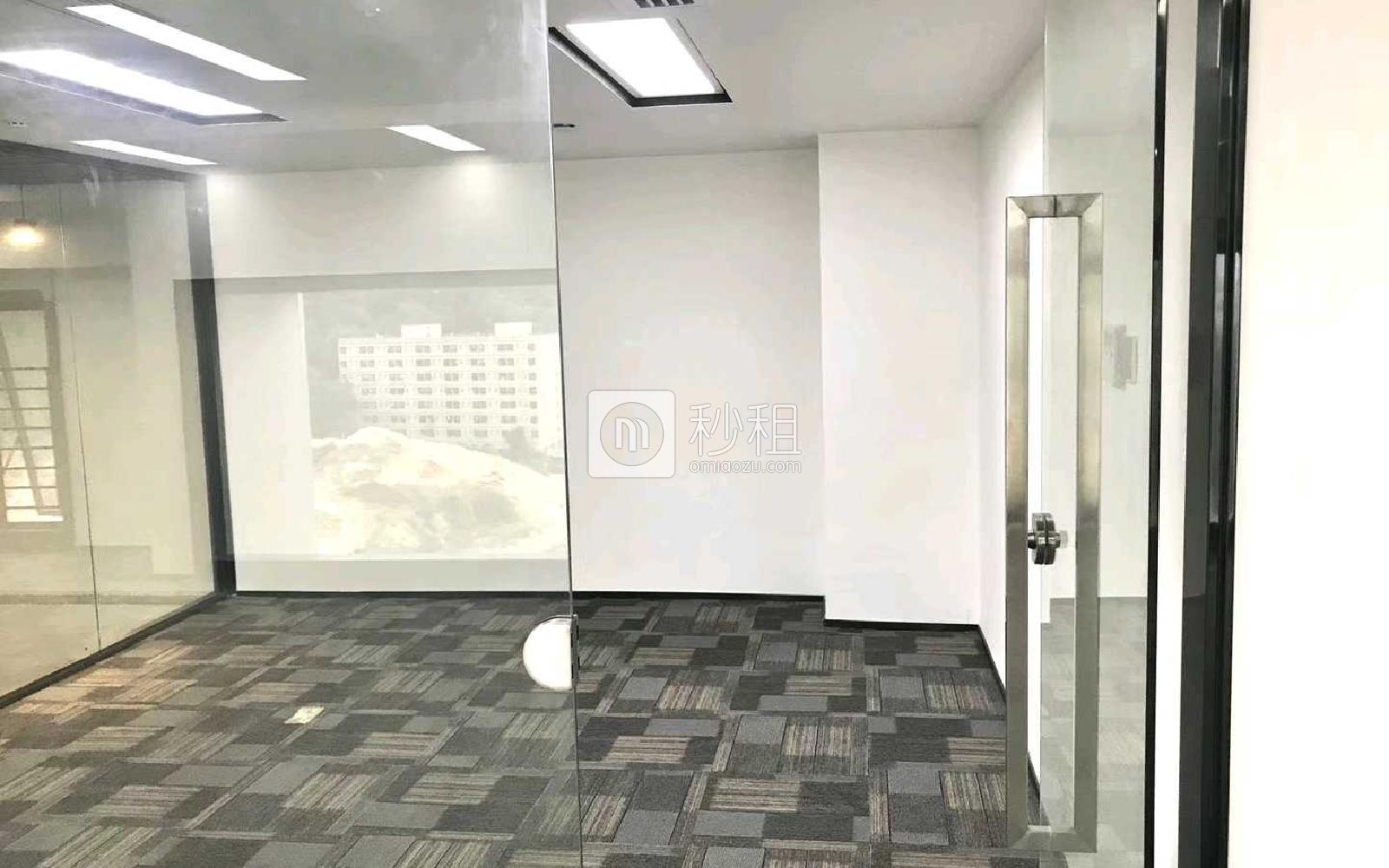 满京华·SOHO艺峦大厦写字楼出租451平米精装办公室72元/m².月