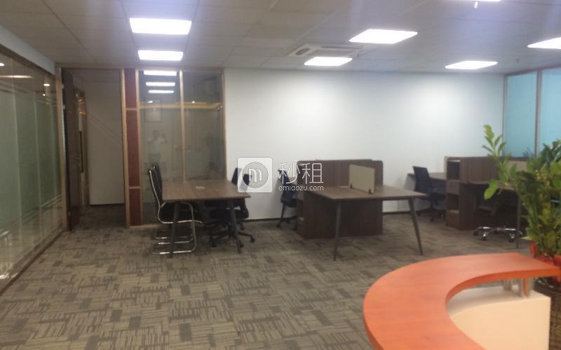 苍松大厦写字楼出租242平米精装办公室135元/m².月