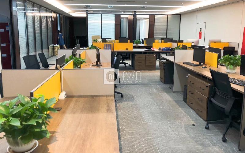 创富港-大中华国际金融中心写字楼出租2560平米精装办公室220元/m².月