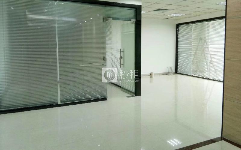 首第时代商务中心-爵士大厦写字楼出租67平米精装办公室7000元/月