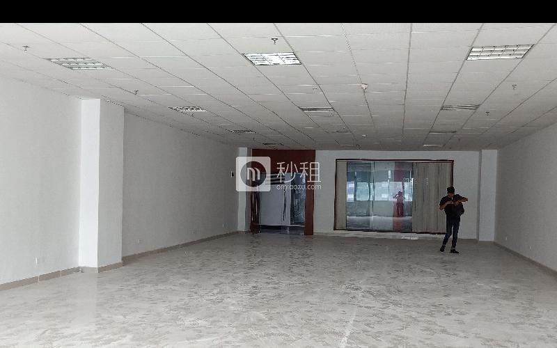名优工业品展示采购中心写字楼出租244平米精装办公室74元/m².月