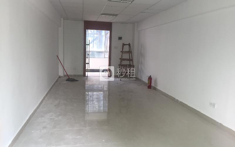 名优工业品展示采购中心写字楼出租55平米简装办公室76元/m².月