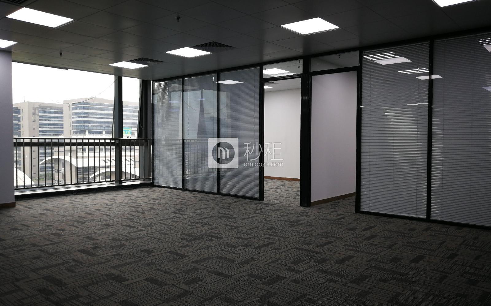 环球数码大厦写字楼出租649平米精装办公室135元/m².月