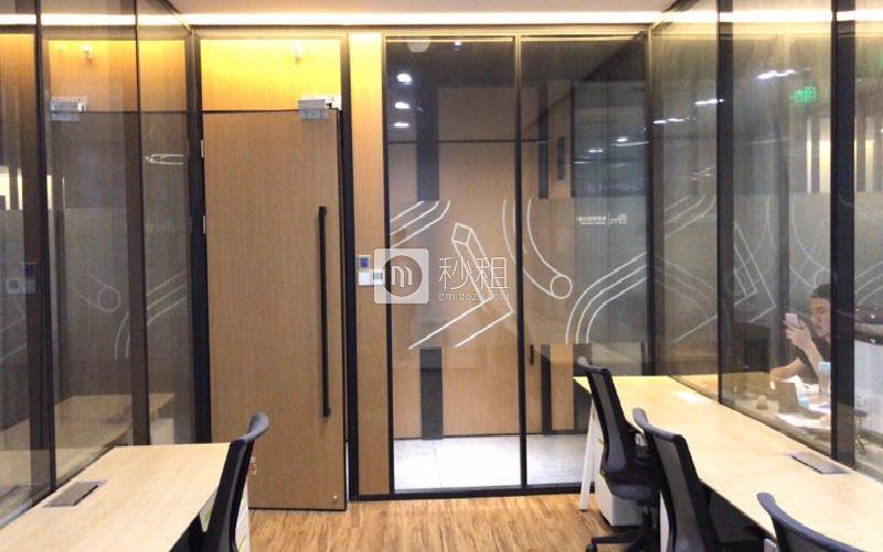 U&P联合工社-新视艺创客公园写字楼出租401平米精装办公室1800元/工位.月