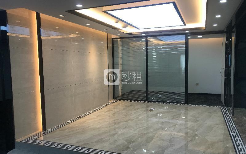 国际商业大厦写字楼出租63平米精装办公室8000元/月