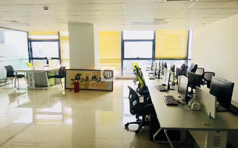 尚美中心大厦写字楼出租261平米精装办公室80元/m².月