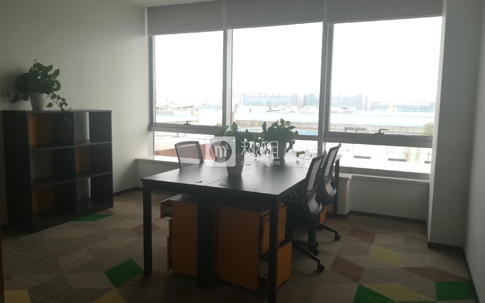 美创空间-同泰时代广场写字楼出租35平米精装办公室8400元/间.月