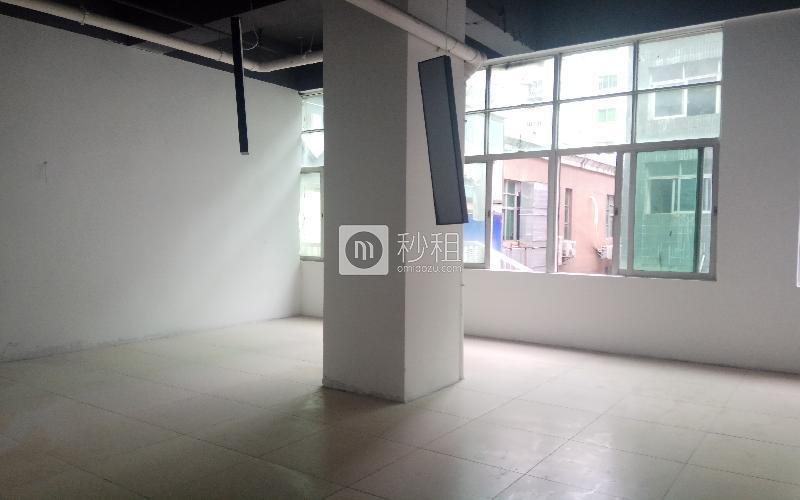 万众孵化园写字楼出租138平米简装办公室55元/m².月