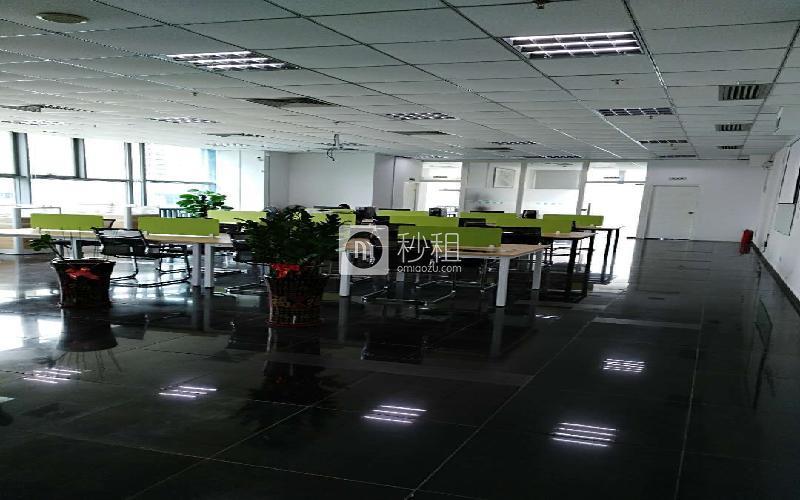 中央大道写字楼出租406平米精装办公室80元/m².月
