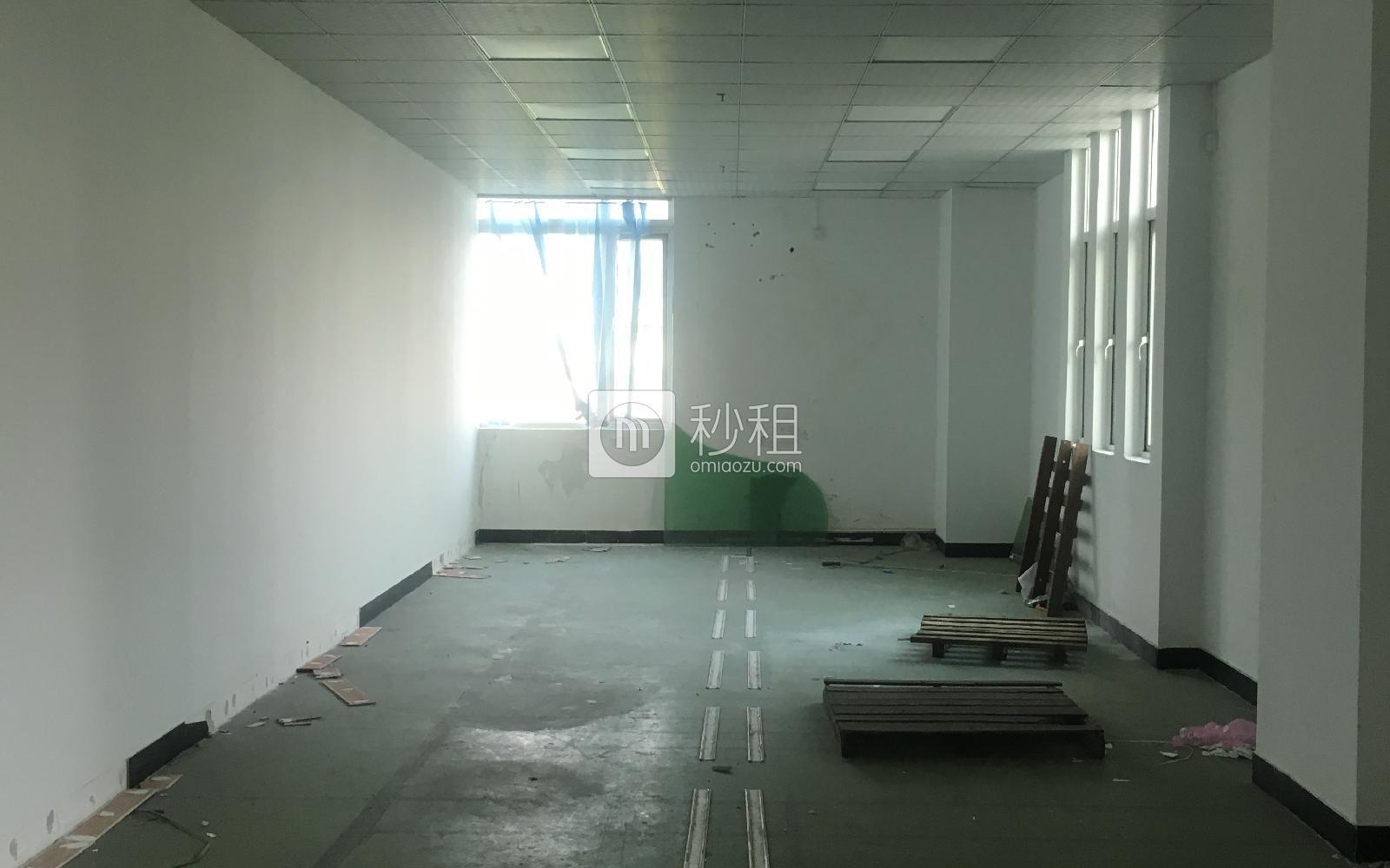 鸿丰华互联网创意园(云立方)写字楼出租202平米简装办公室50元/m².月