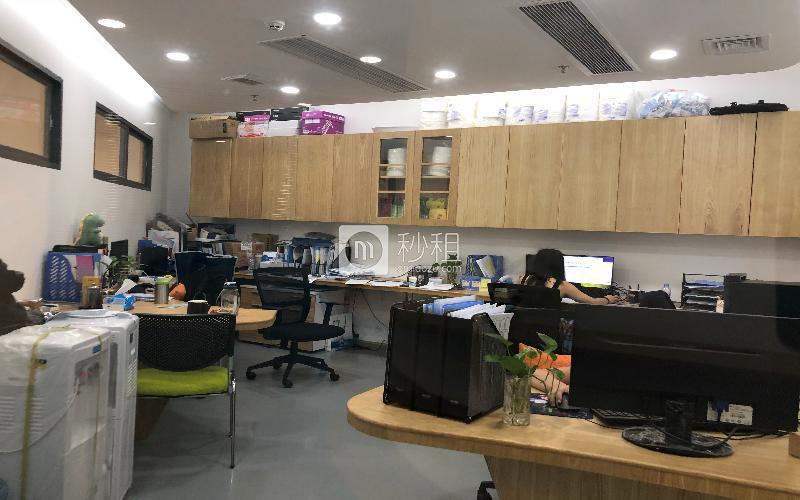 南天辉创研中心大厦-恒悦创客魔方写字楼出租10平米精装办公室1080元/m².月