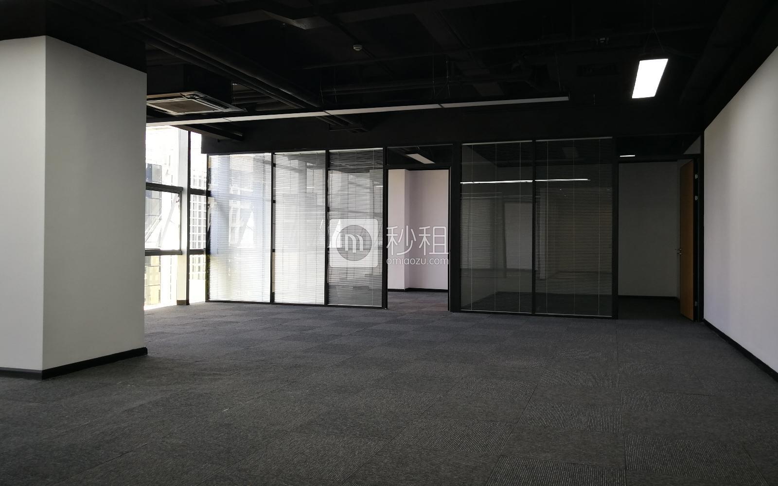 高北十六写字楼出租240平米精装办公室110元/m².月