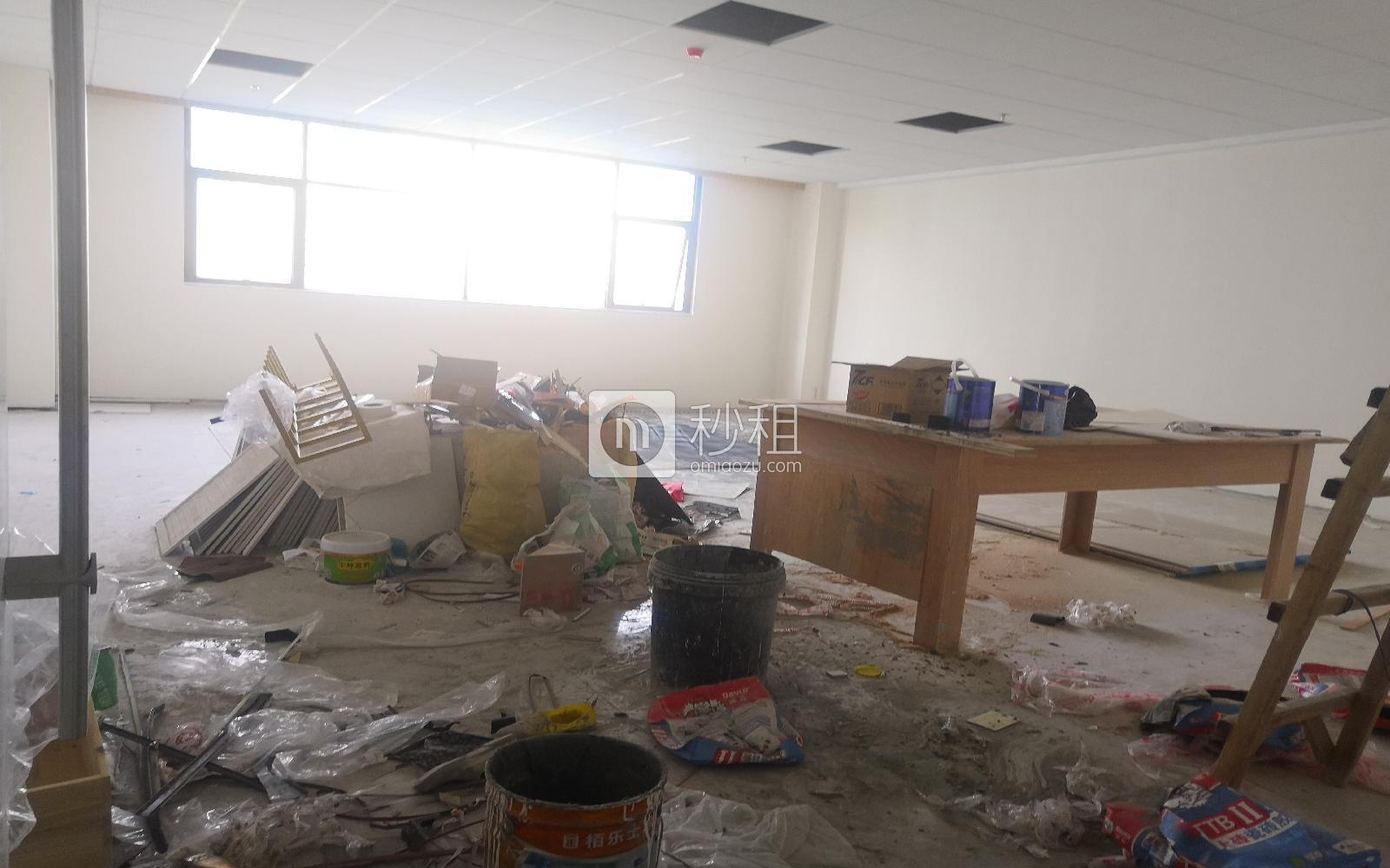 华美居商务中心写字楼出租115平米精装办公室90元/m².月