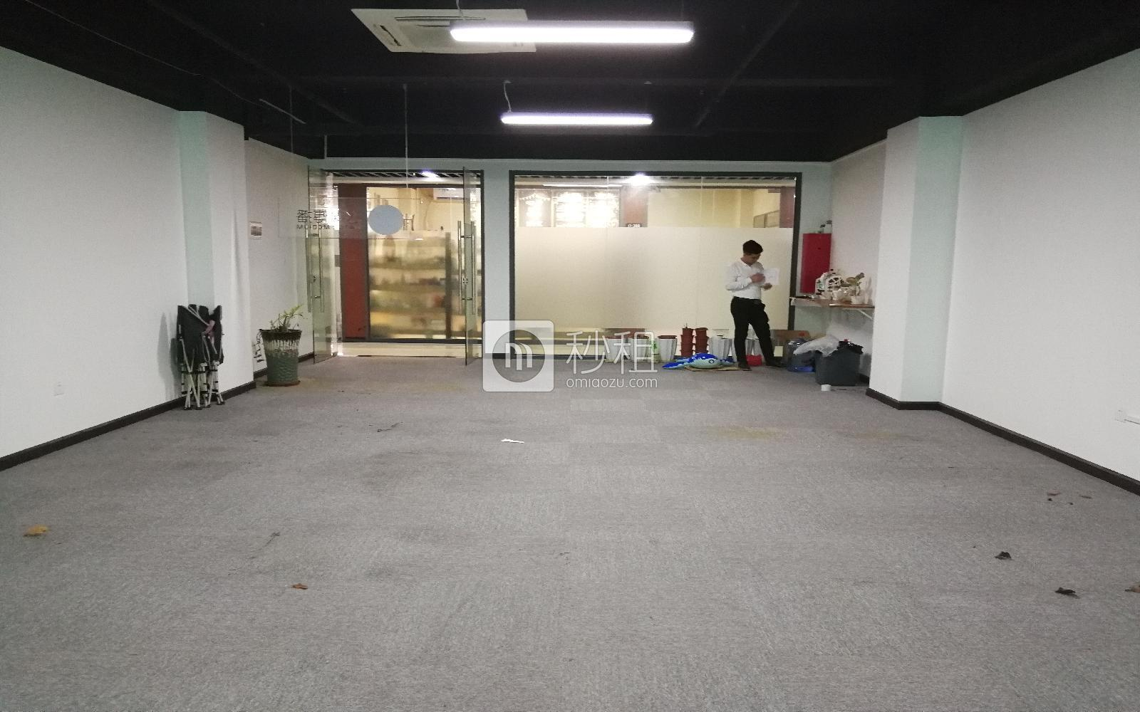 南油第四工业区写字楼出租128平米精装办公室80元/m².月