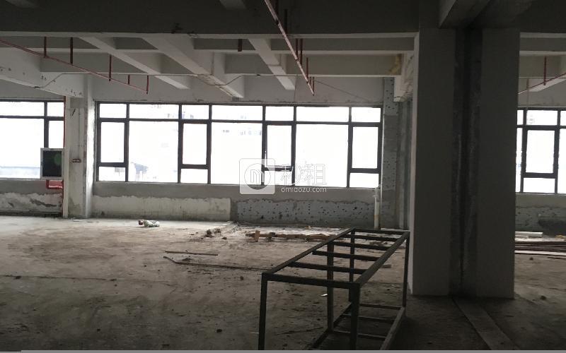 华侨城创意文化园写字楼出租175平米毛坯办公室140元/m².月