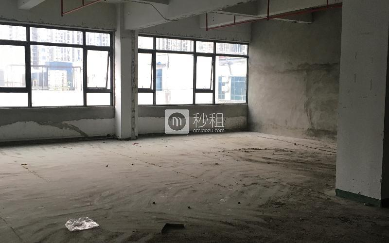 华侨城创意文化园写字楼出租338平米毛坯办公室140元/m².月