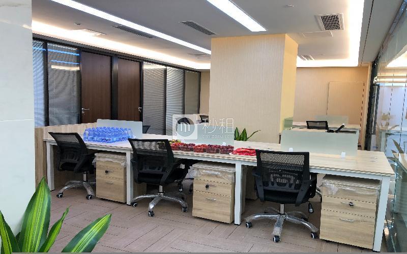 美兰国际商务中心写字楼出租228平米精装办公室85元/m².月