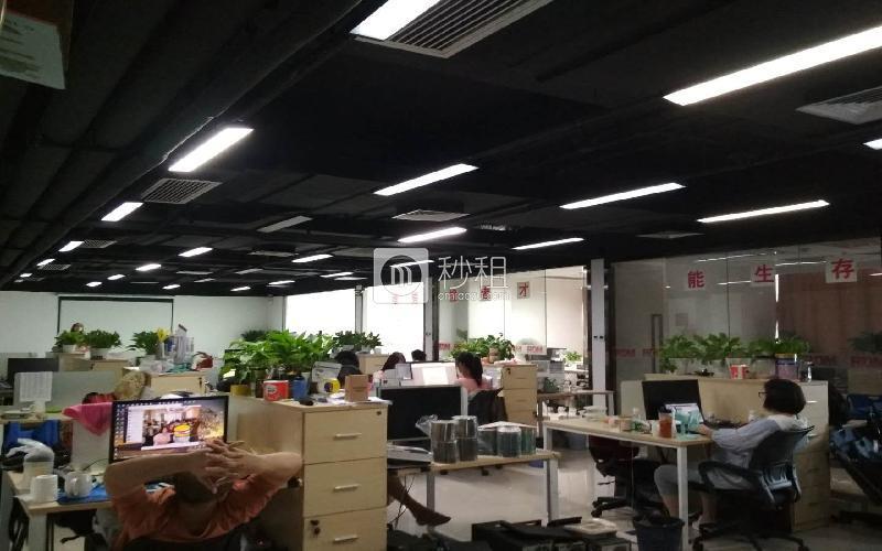 南山智园写字楼出租533平米精装办公室110元/m².月