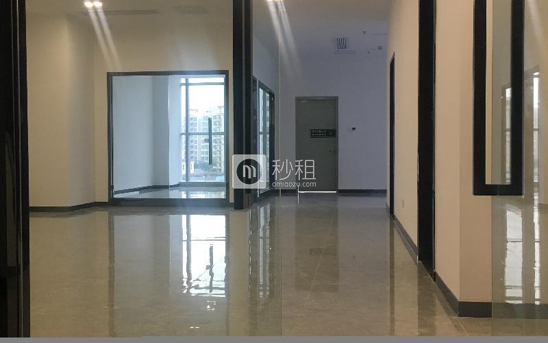 锦灏大厦写字楼出租265平米豪装办公室66元/m².月