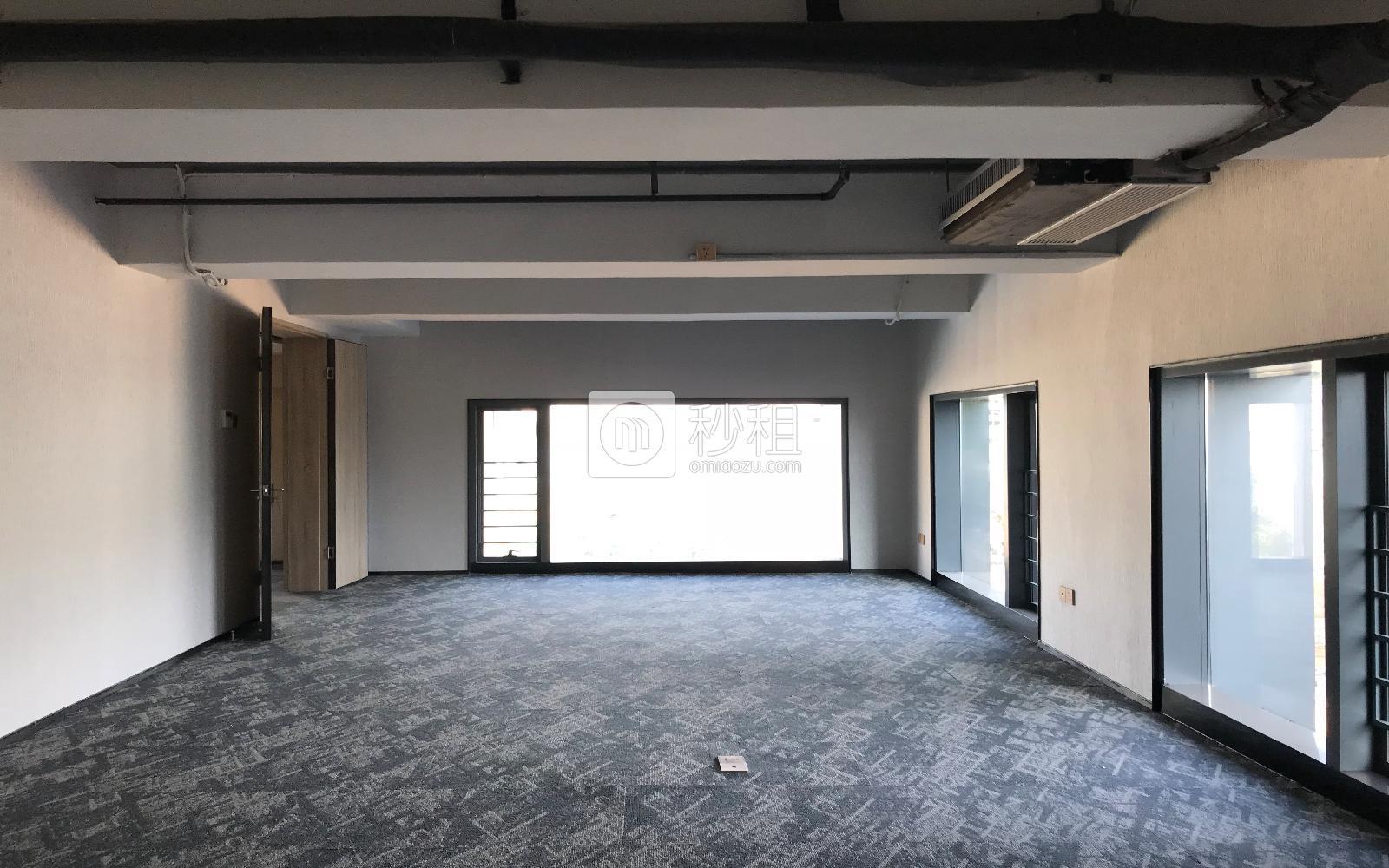 满京华·SOHO艺峦大厦写字楼出租1068平米精装办公室58元/m².月