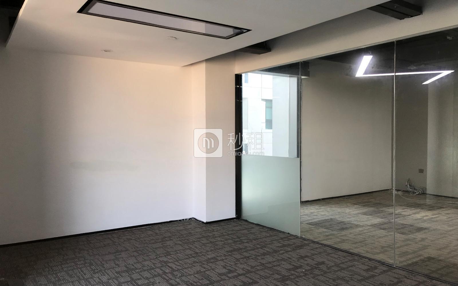 满京华·SOHO艺峦大厦写字楼出租129平米豪装办公室80元/m².月