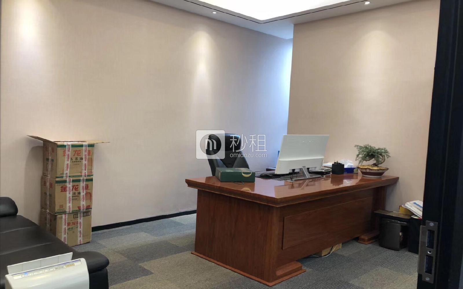 风华科技大厦写字楼出租175平米豪装办公室135元/m².月