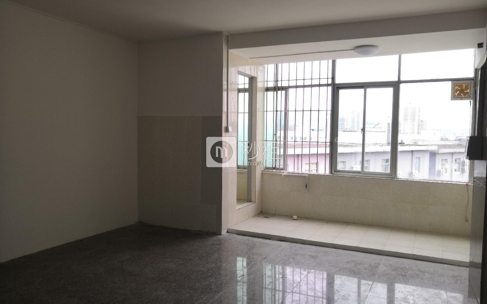 大运软件小镇写字楼出租50平米简装办公室65元/m².月