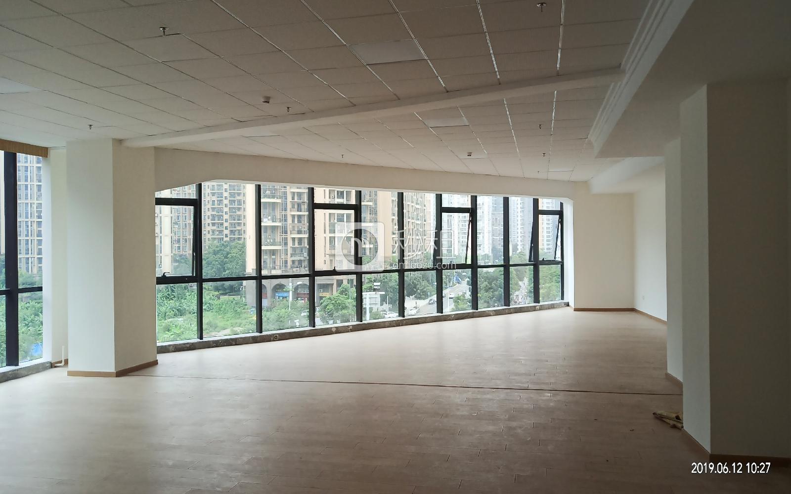华美居商务中心写字楼出租276平米简装办公室75元/m².月