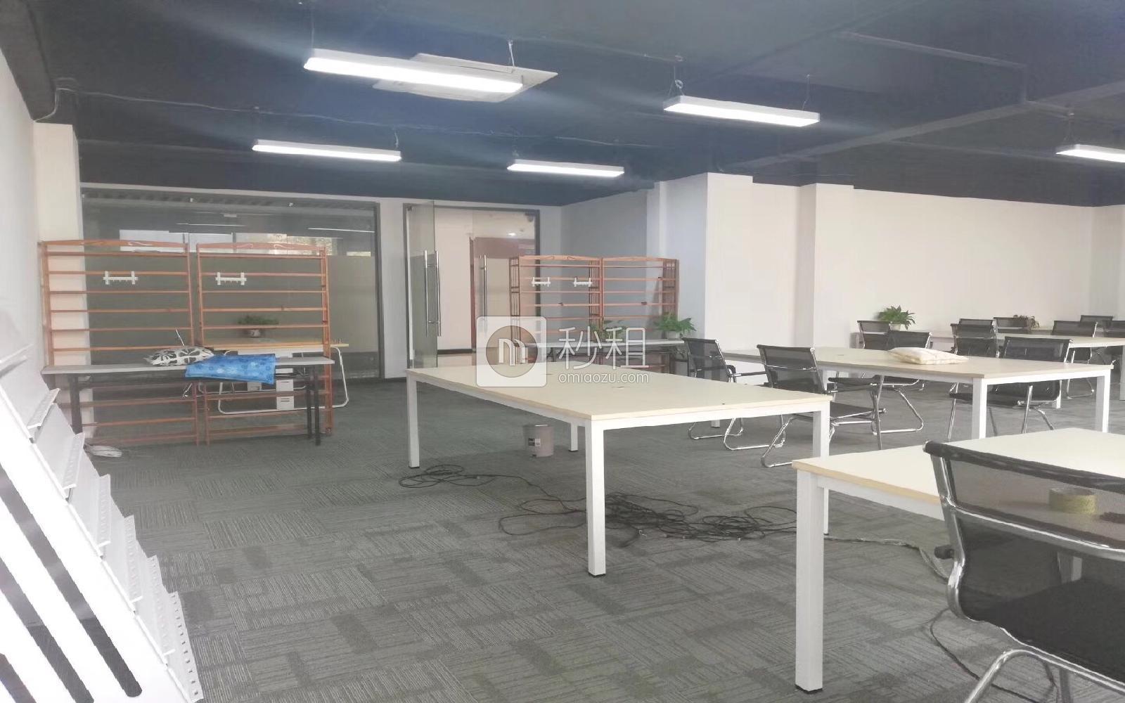 南油第四工业区写字楼出租240平米精装办公室80元/m².月